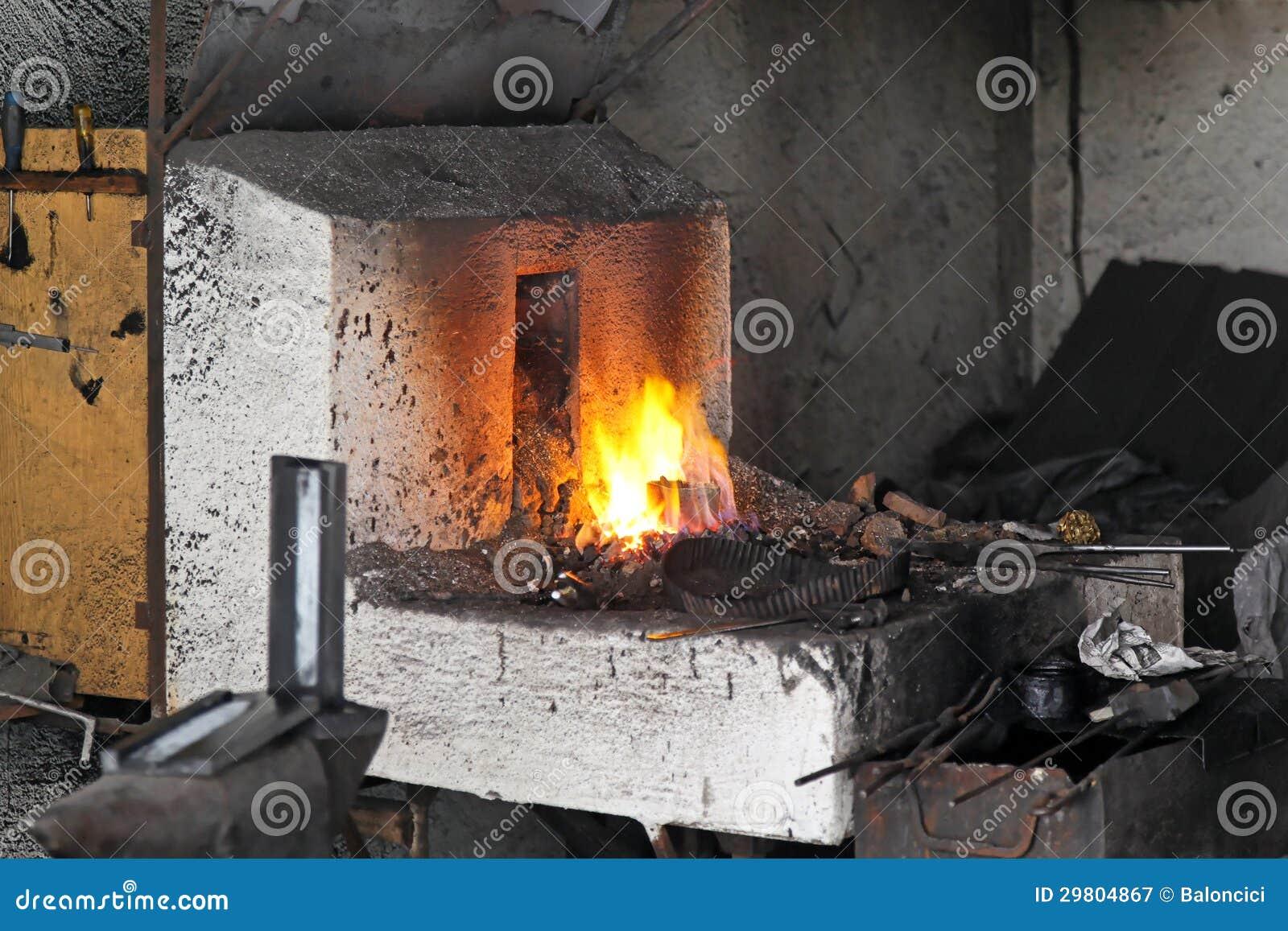 Plan Foyer De Forge : Blacksmith forge stock image of ironwork metal