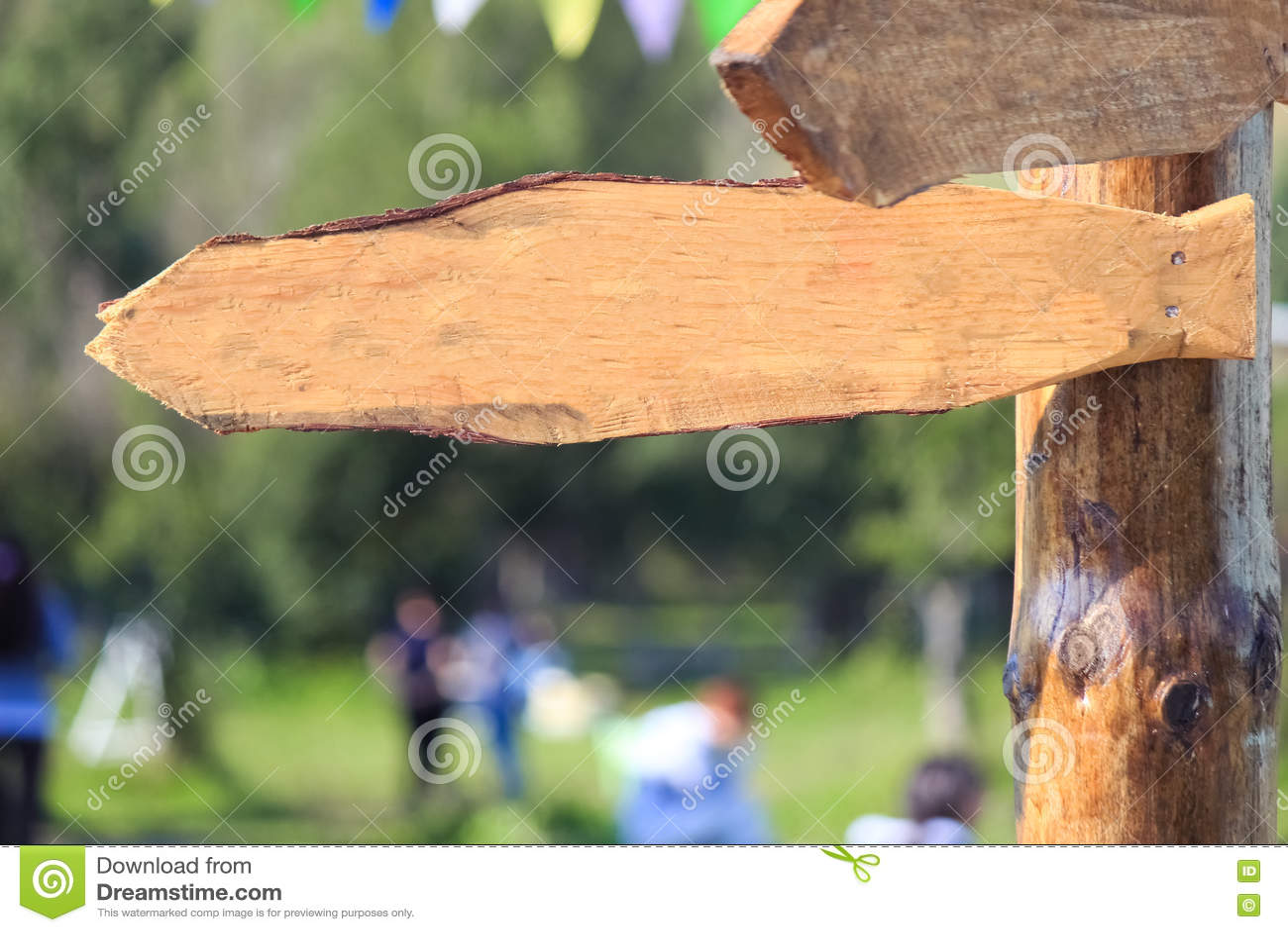 Blanc en bois extérieur de signe