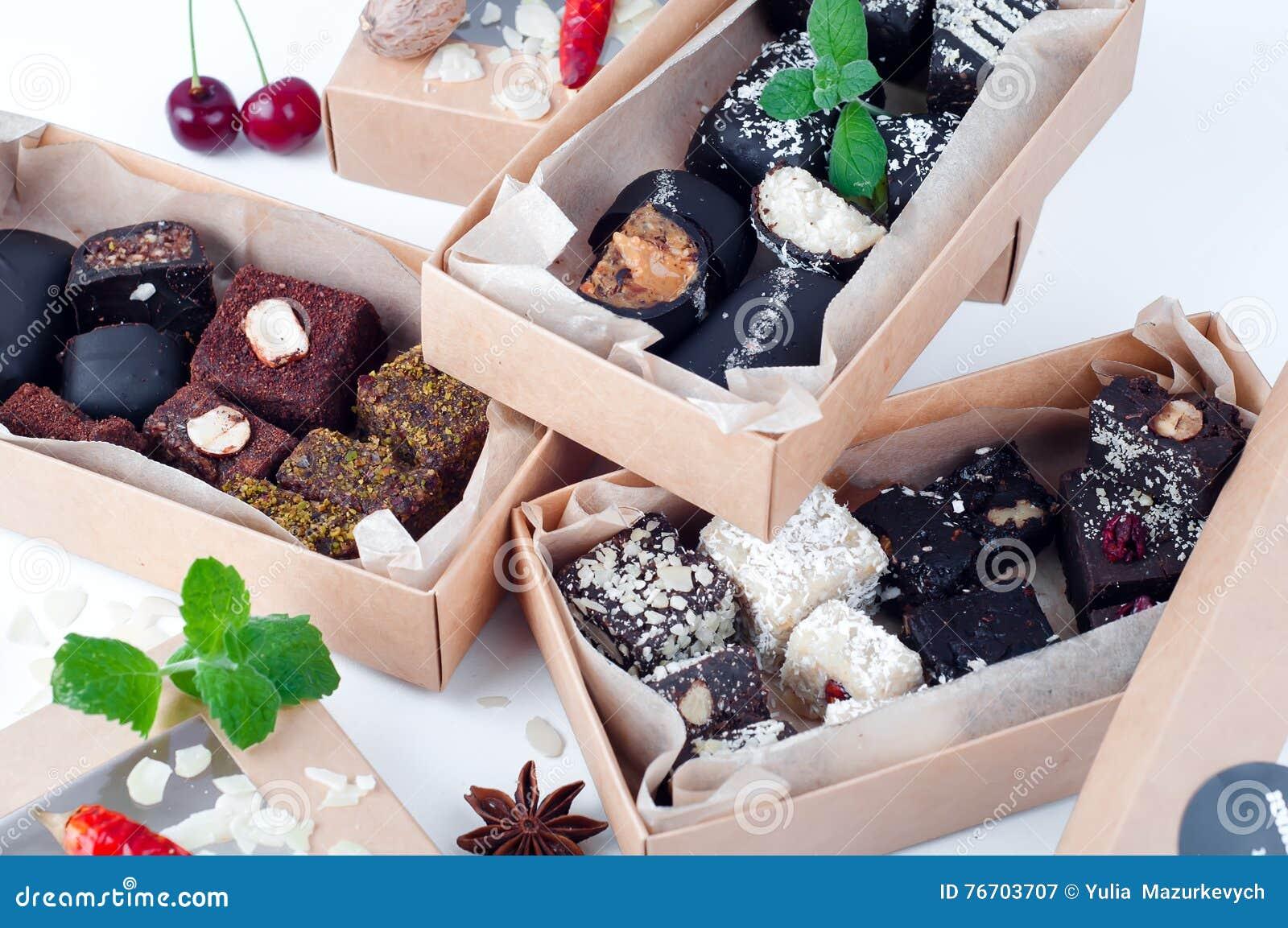 Blandad gourmet- choklad i en boxas