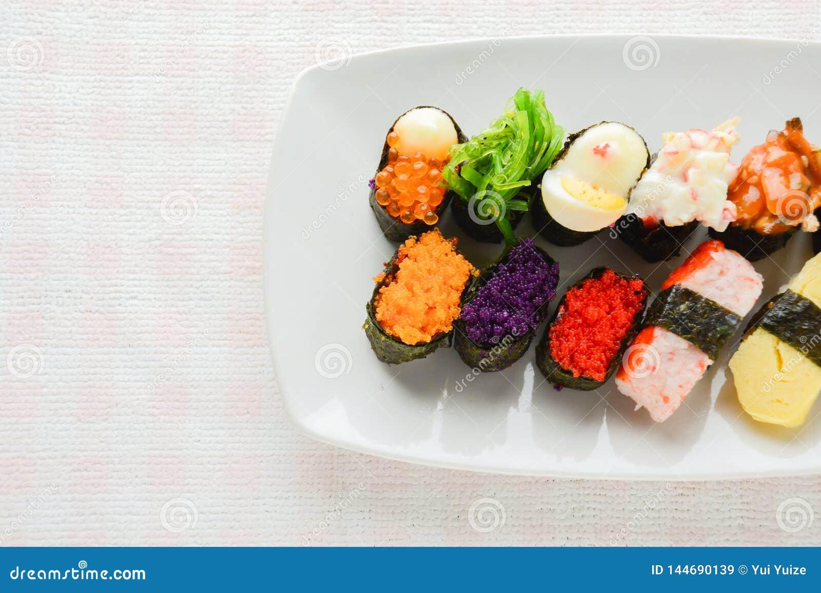 Blandad sushi