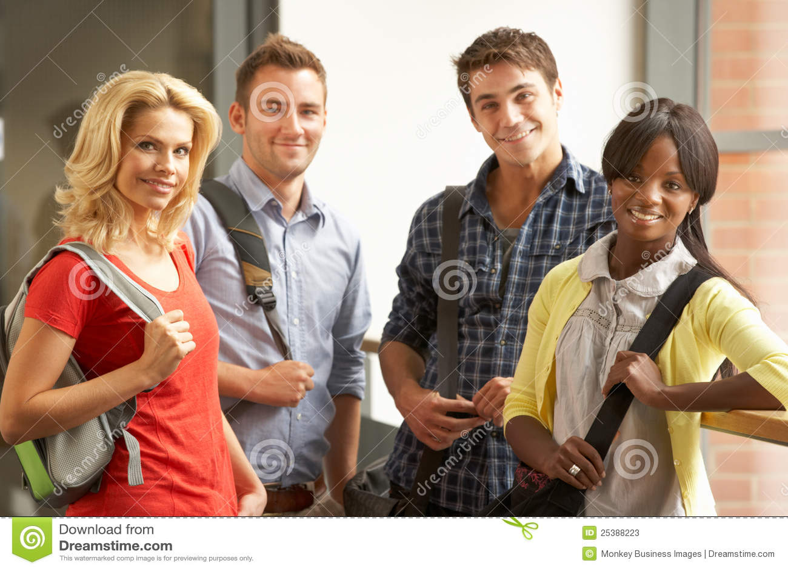 Blandade deltagare för högskolagrupp