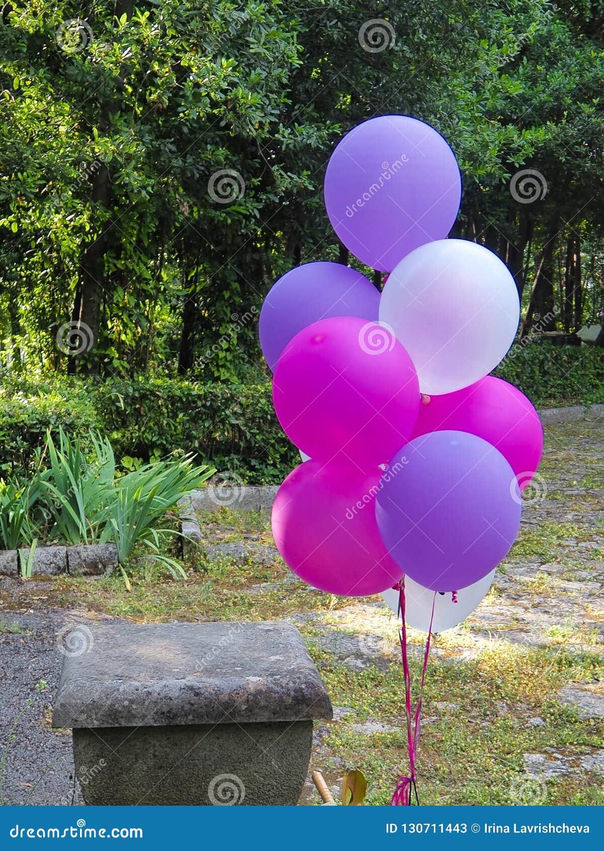 Blandning av färgrika ballonger