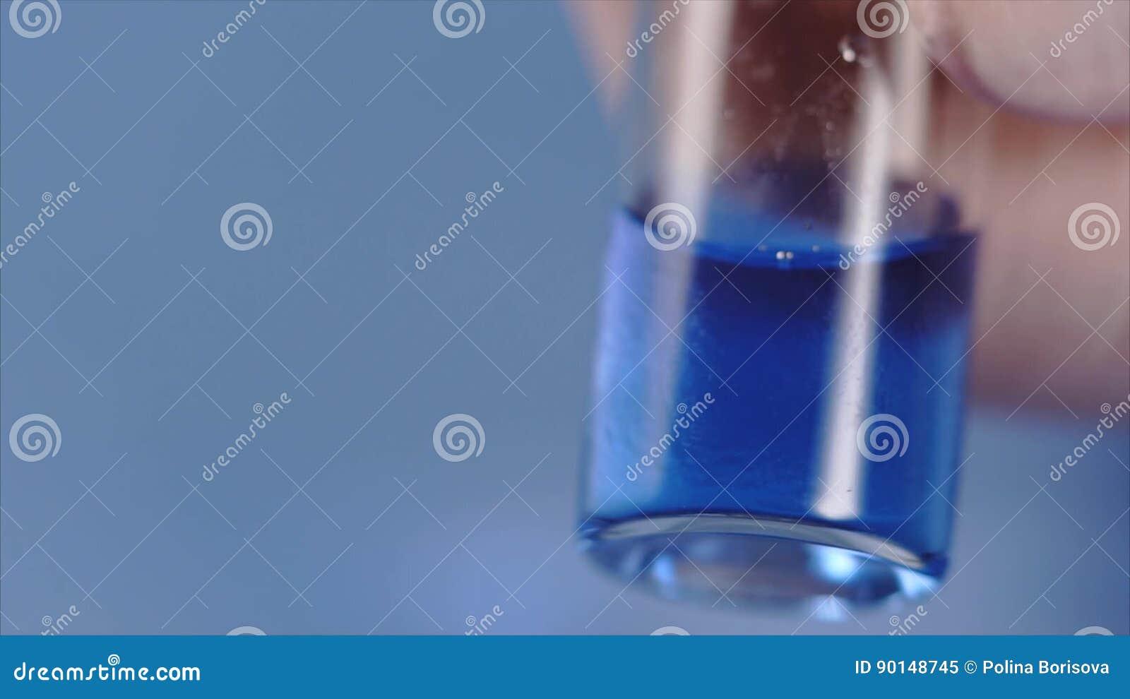 Sprutande vätska