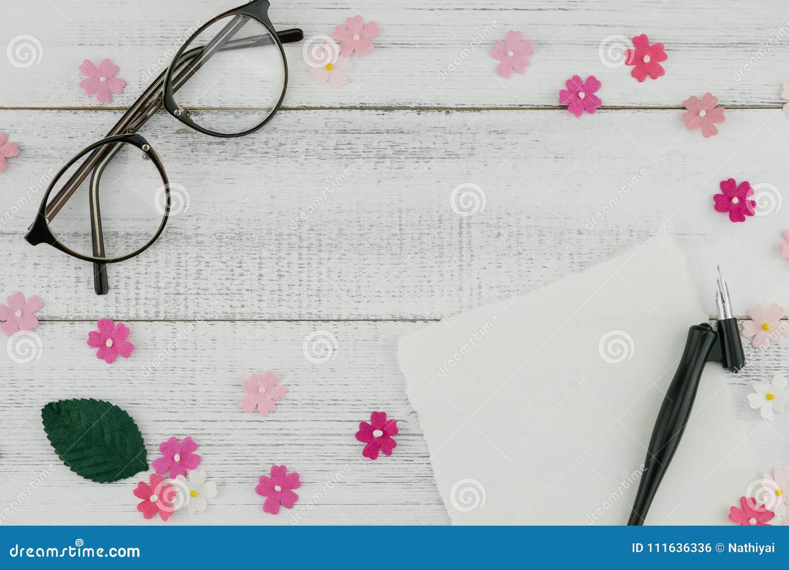82dc4e1035c Blank White Card