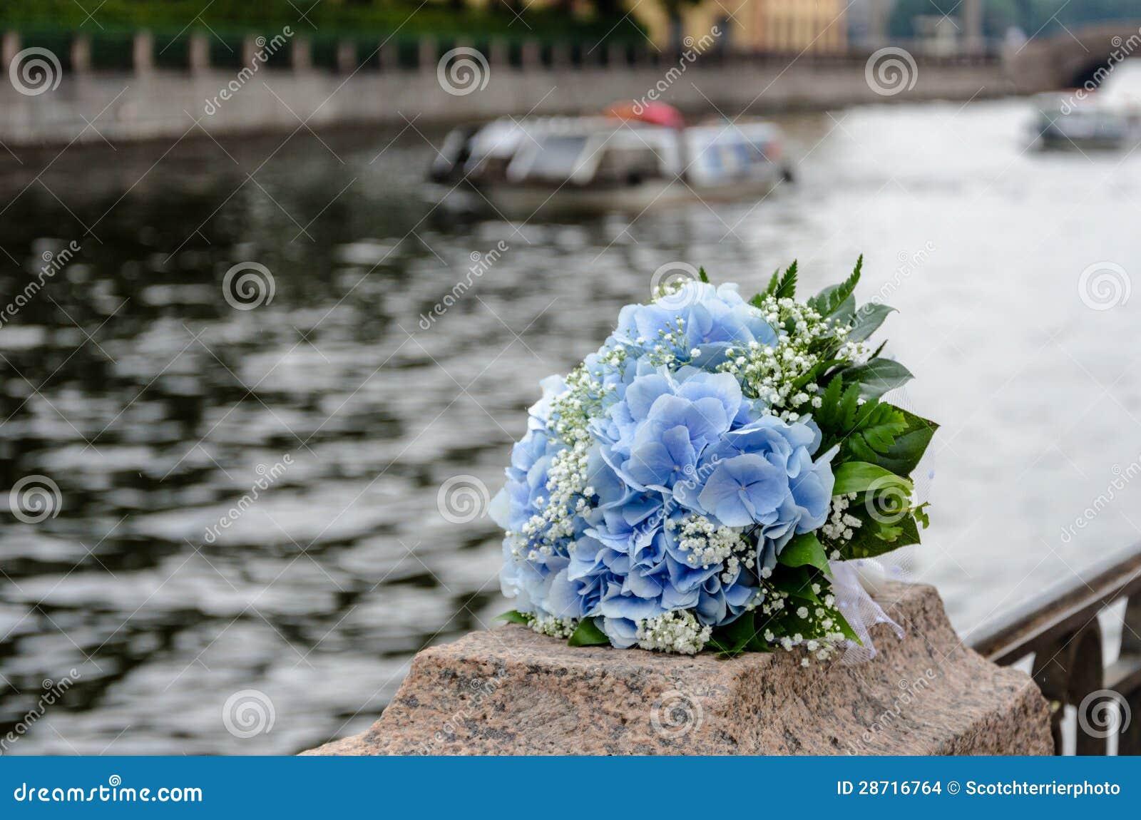 blaue blumen die blumenstrau wedding sind stockbilder. Black Bedroom Furniture Sets. Home Design Ideas