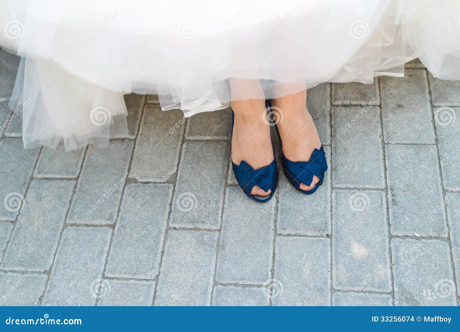Blaue Brautschuhe Stockbilder - Bild: 33256074