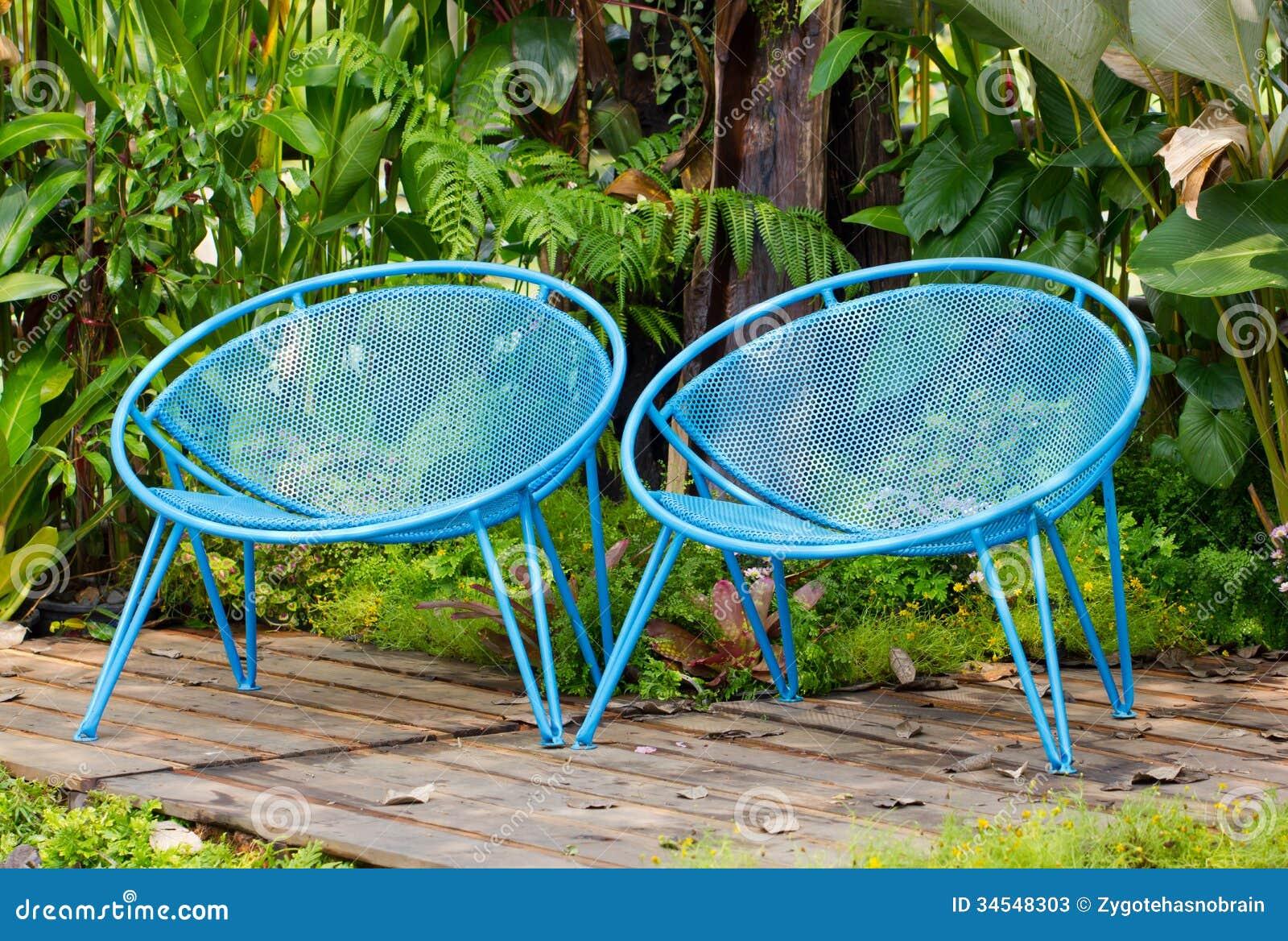 Blaue Garten Metallstühle Stockbild Bild Von Rasen 34548303