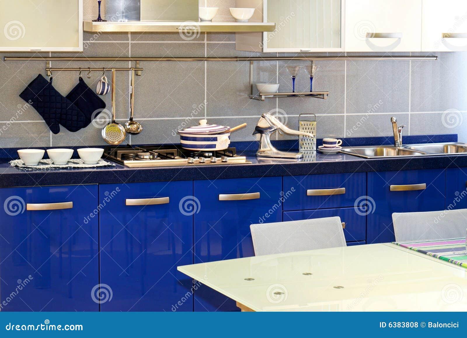 Blaue Küche stockfoto. Bild von dekor, zuhause, modern - 6383808