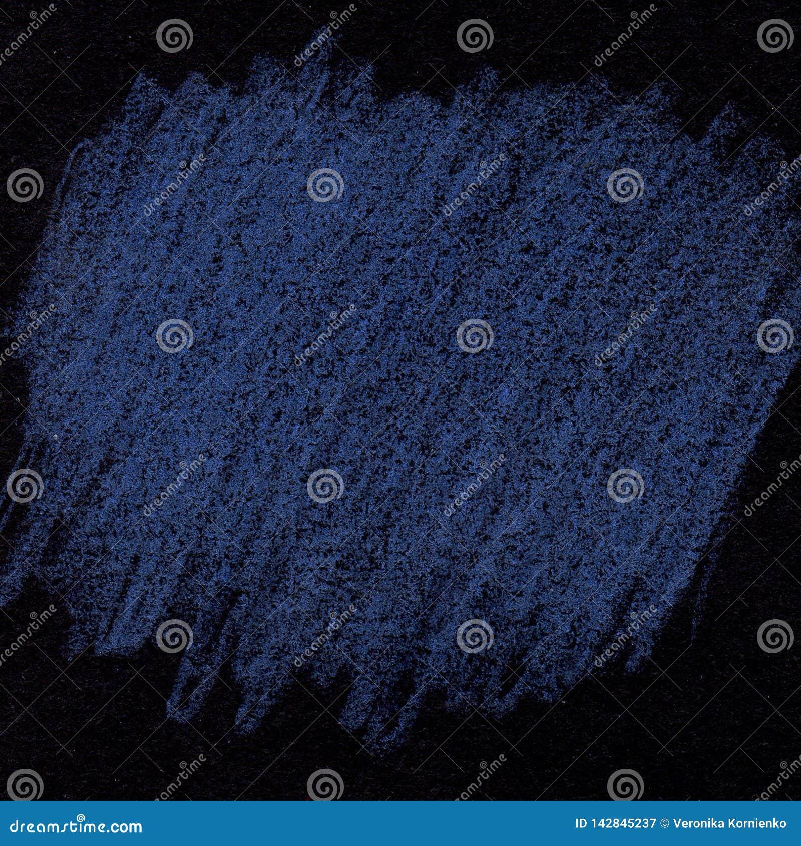 Blaue Kreidebeschaffenheit auf schwarzem Hintergrund