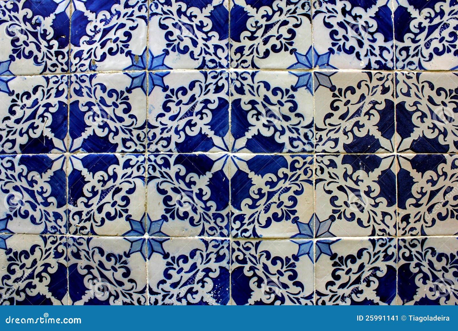 Blaue Und Weiße Fliesen, Lissabon, Portugal Stockbild - Bild ...