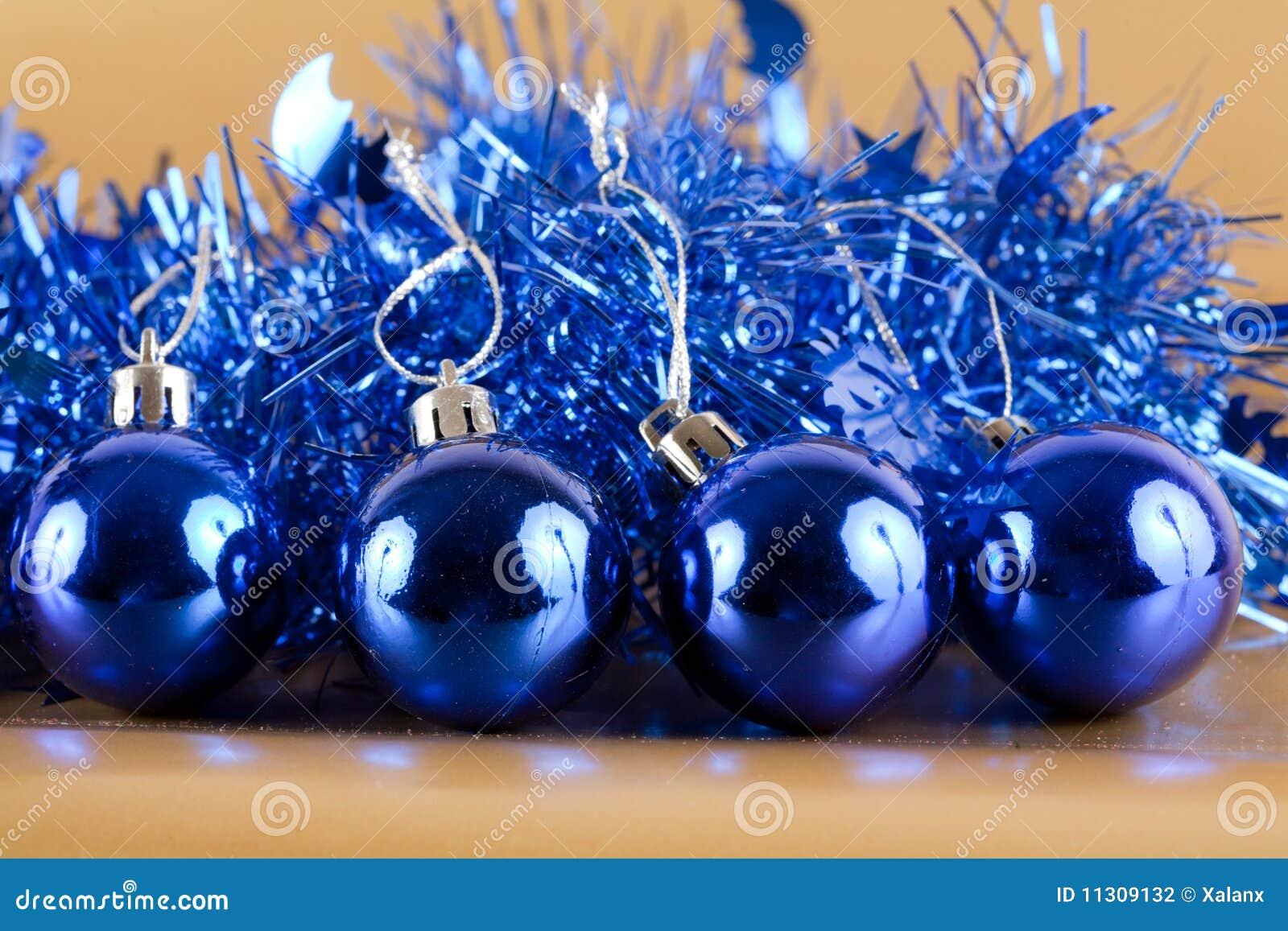 Blaue Weihnachtsdekorationen
