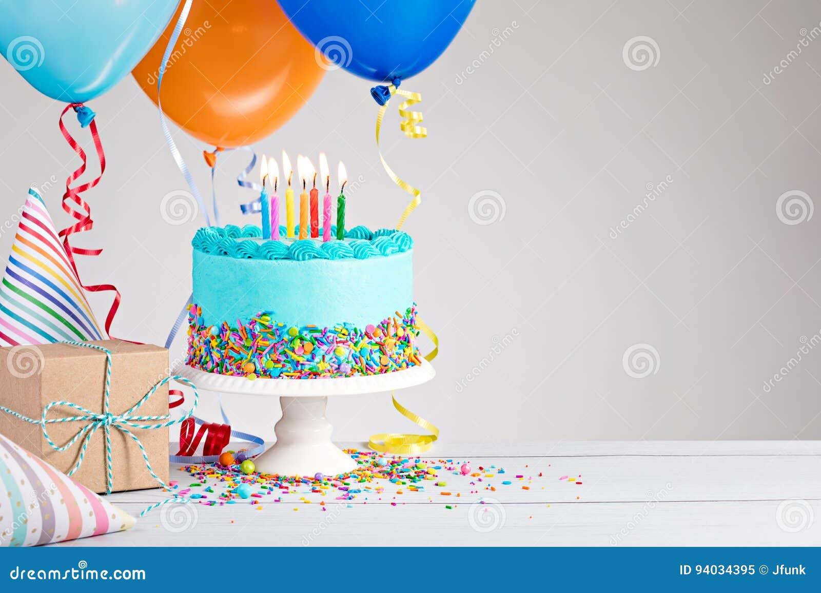 Blauer Geburtstag-Kuchen