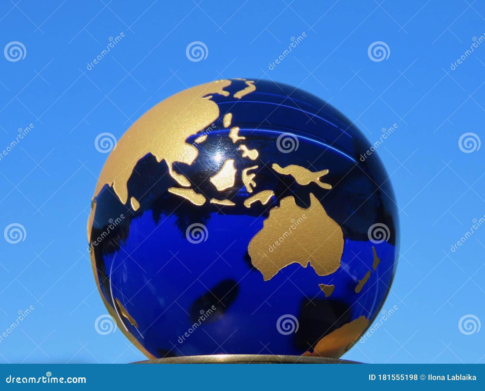 GoldmГјnze Blauer Planet
