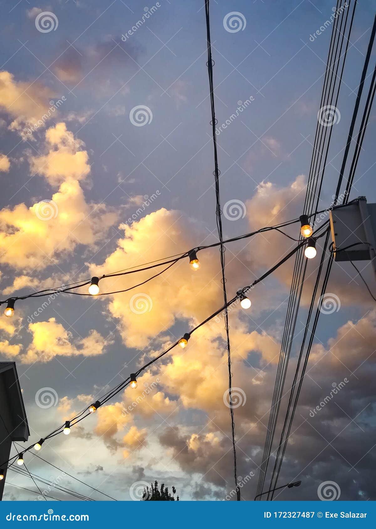 Blauer Himmel Mit ästhetischer Tumblr Hintergrunds Hintergrundbild ...