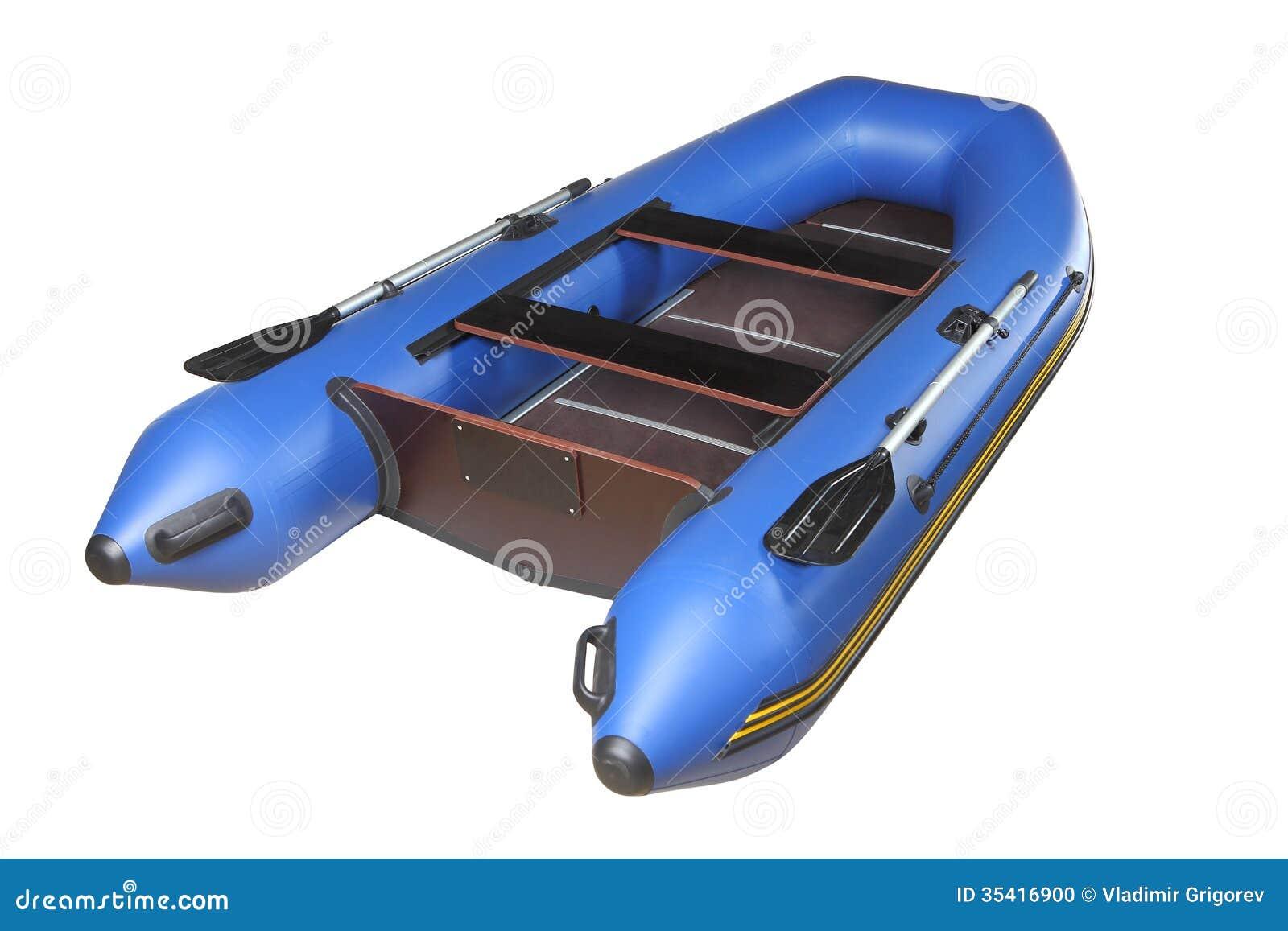 Blaues aufblasbares Boot mit Rudern, Sperrholzplattform und Sitzen.