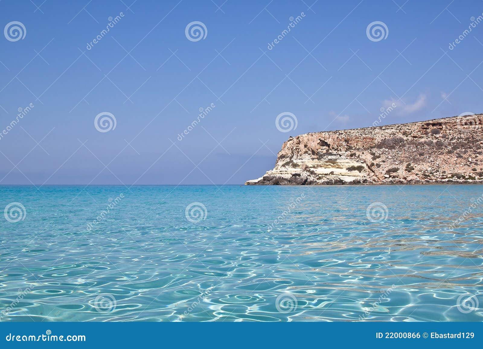Blaues Meer von Lampedusa, Sizilien.