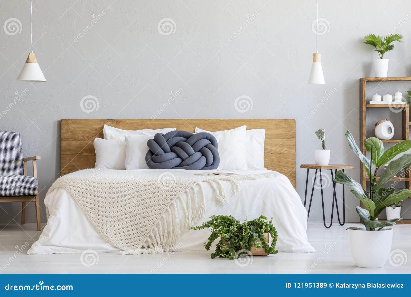 Houten hoofdbord bed. top bed bekleden in soorten stoffen with
