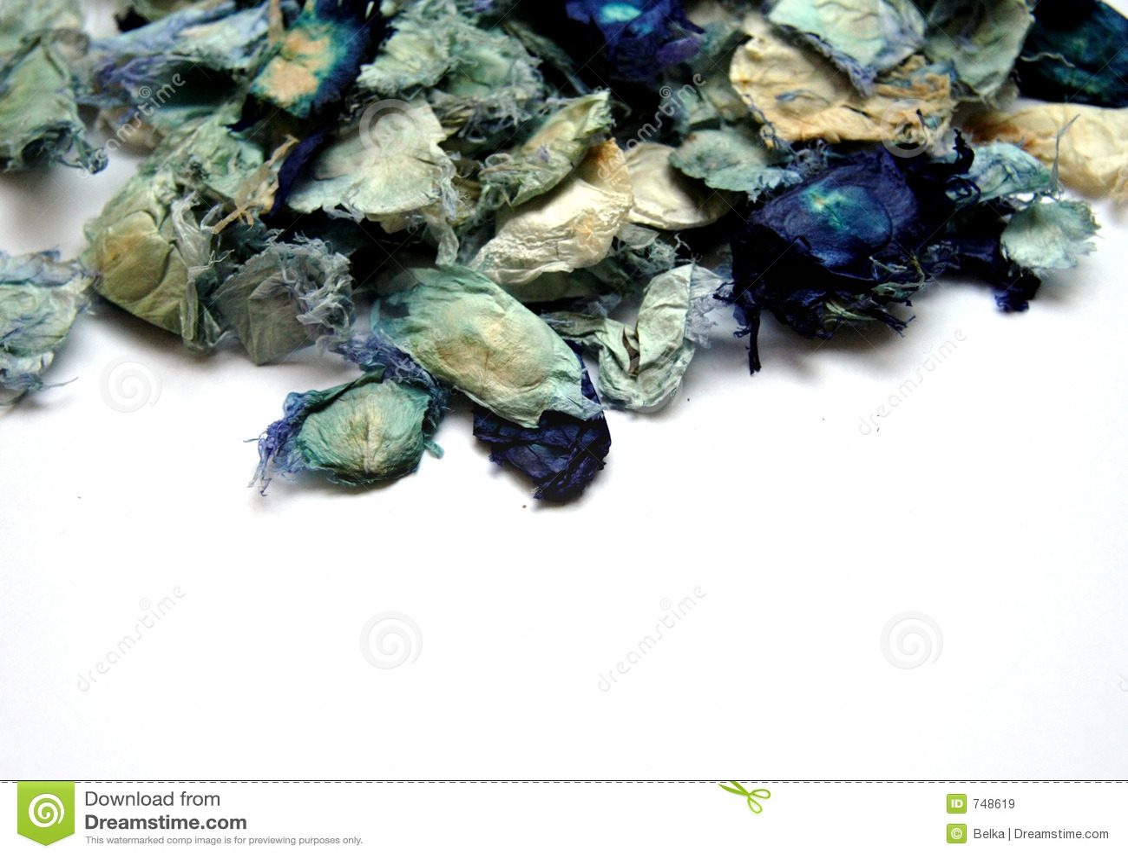 Blauw welriekend mengsel van gedroogde bloemen en kruiden