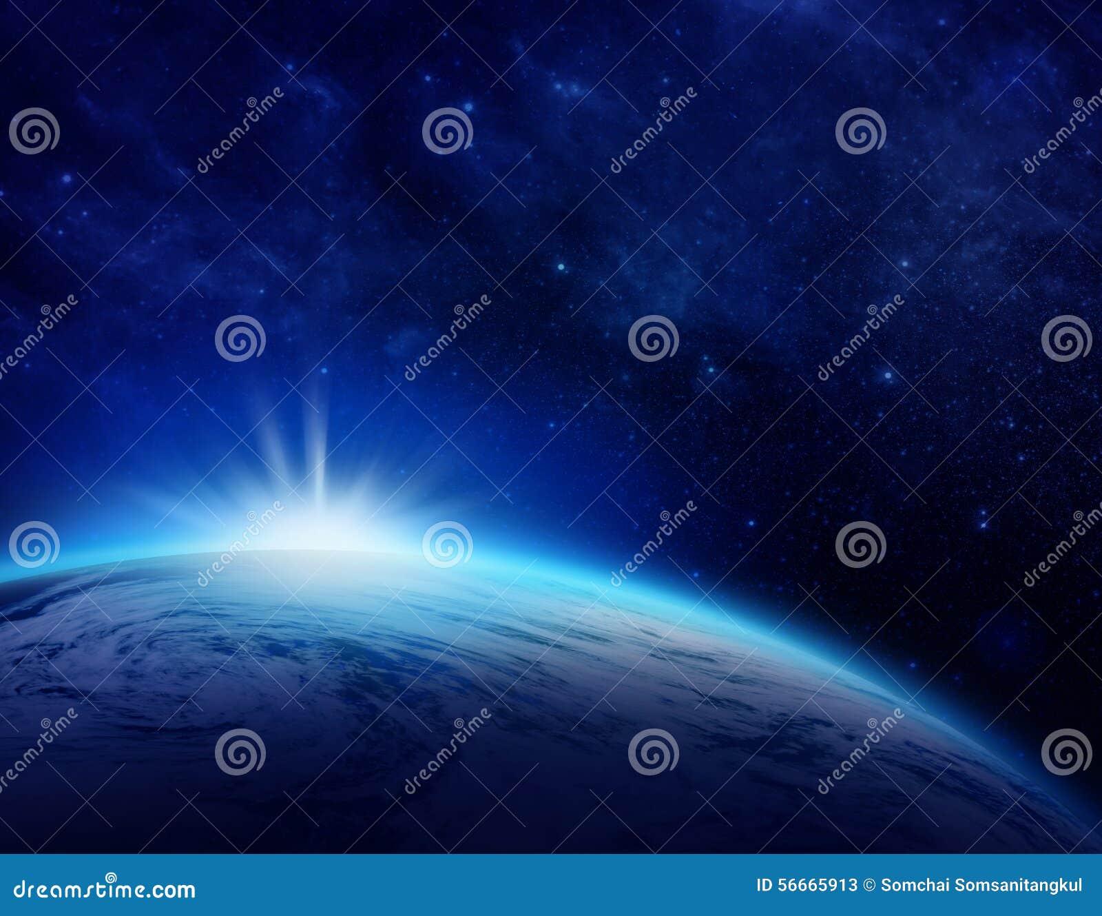 Blauwe Aarde, zonsopgang over bewolkte oceaan van wereld in ruimte