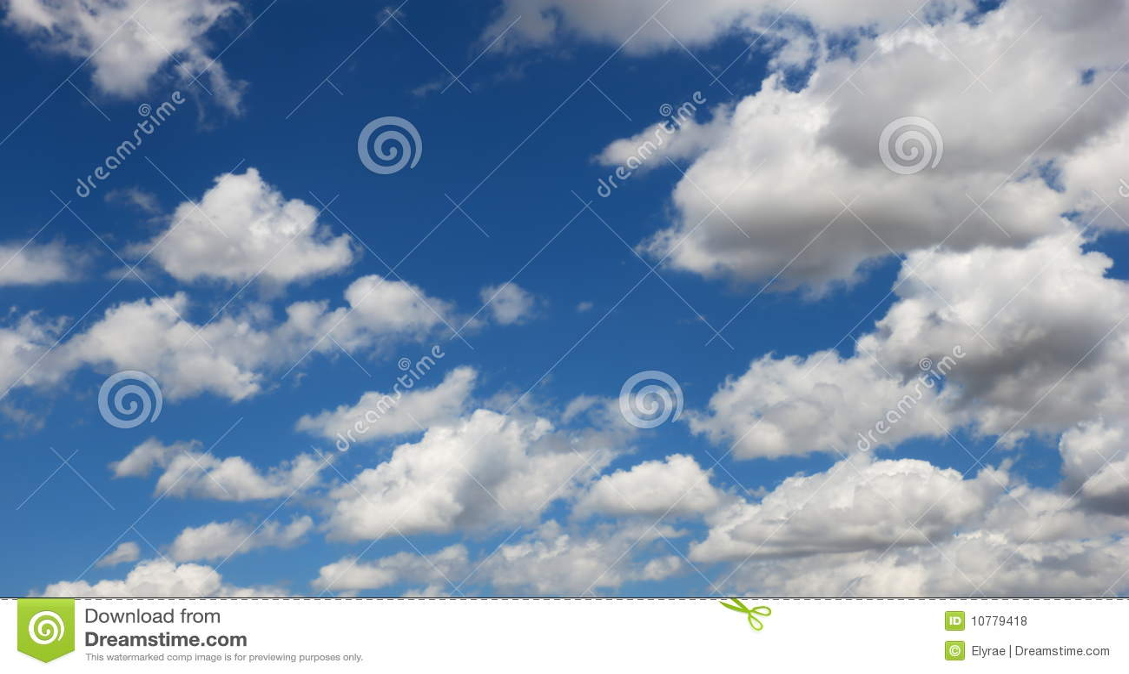 Blauwe en witte hemel