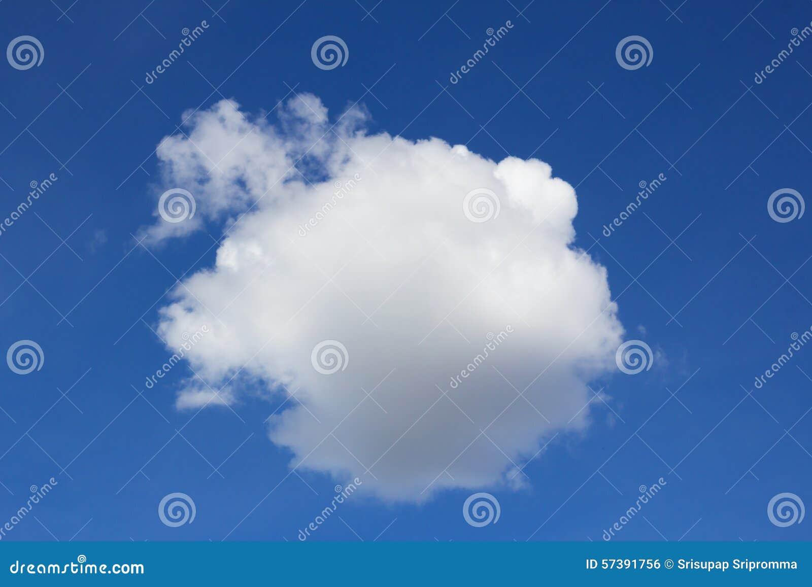 Blauwe hemel en wolken