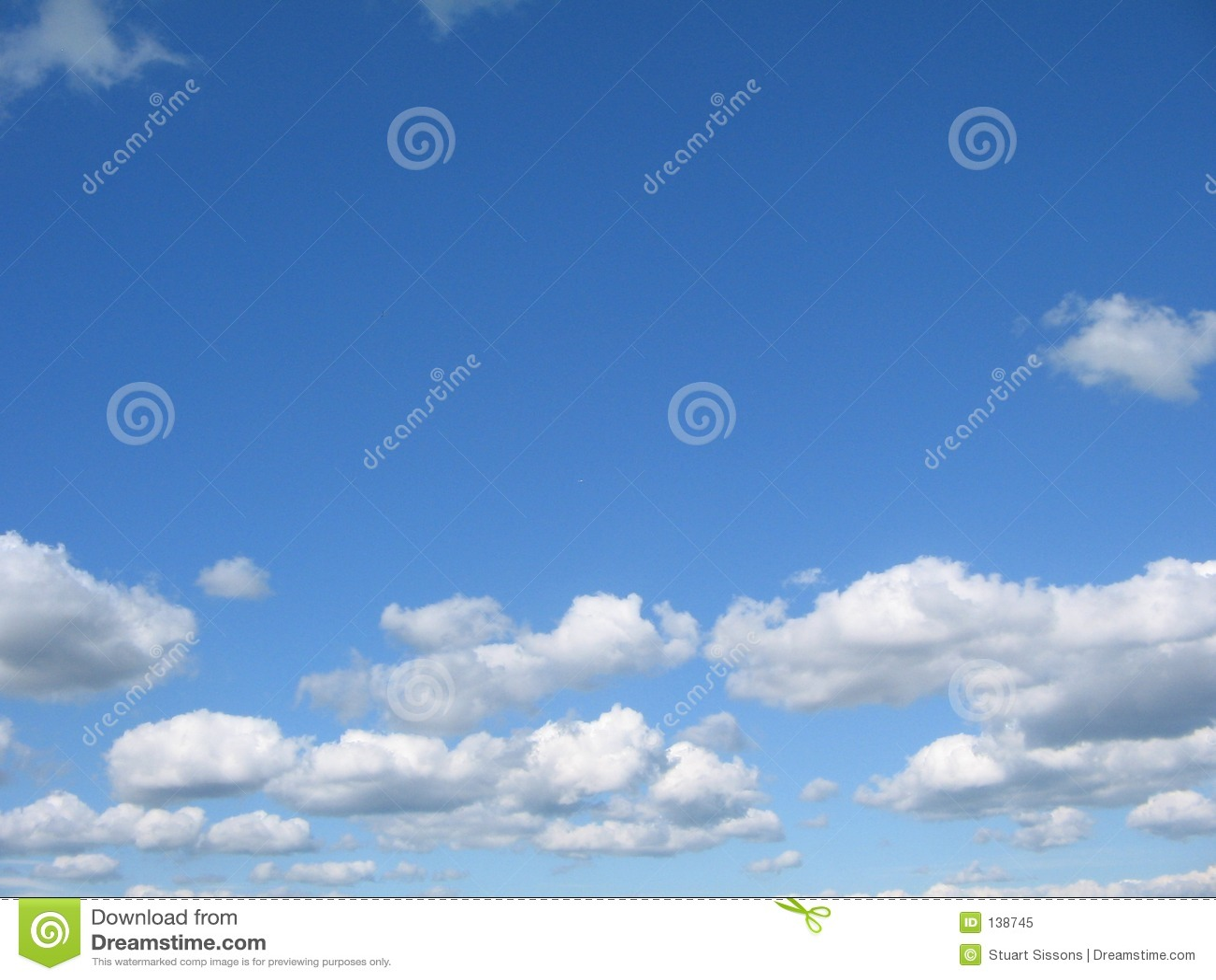 Blauwe hemel, witte wolken