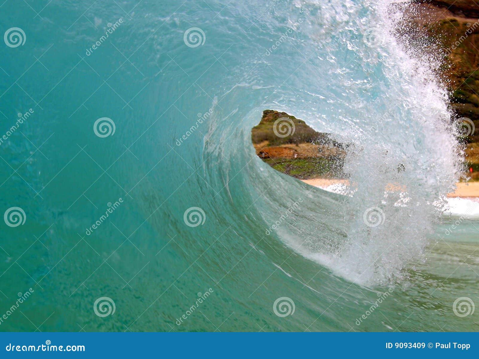 Blauwe het Surfen van het buizenstelsel Golf bij het Strand Hawaï van het Zand