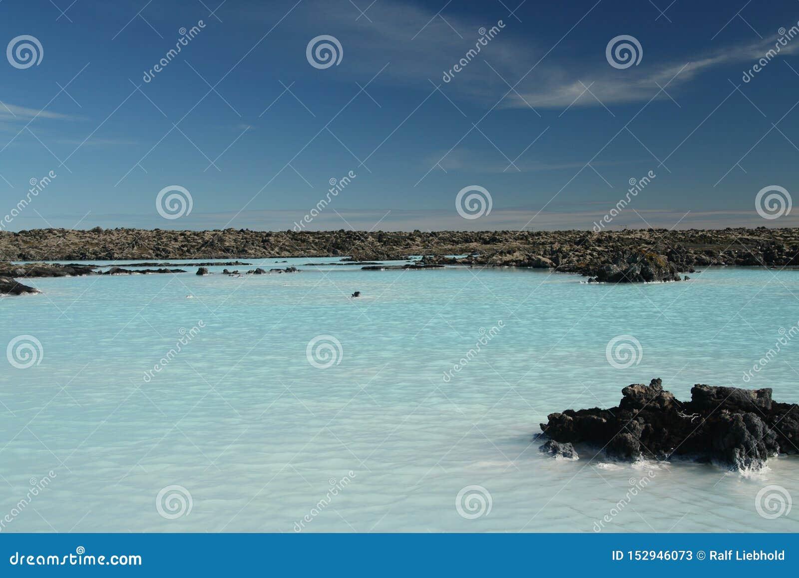 Blauwe Lagune Grindavik Bláa Lónið - de blauwe kleur komt uit silicaten wijzend op licht, IJsland