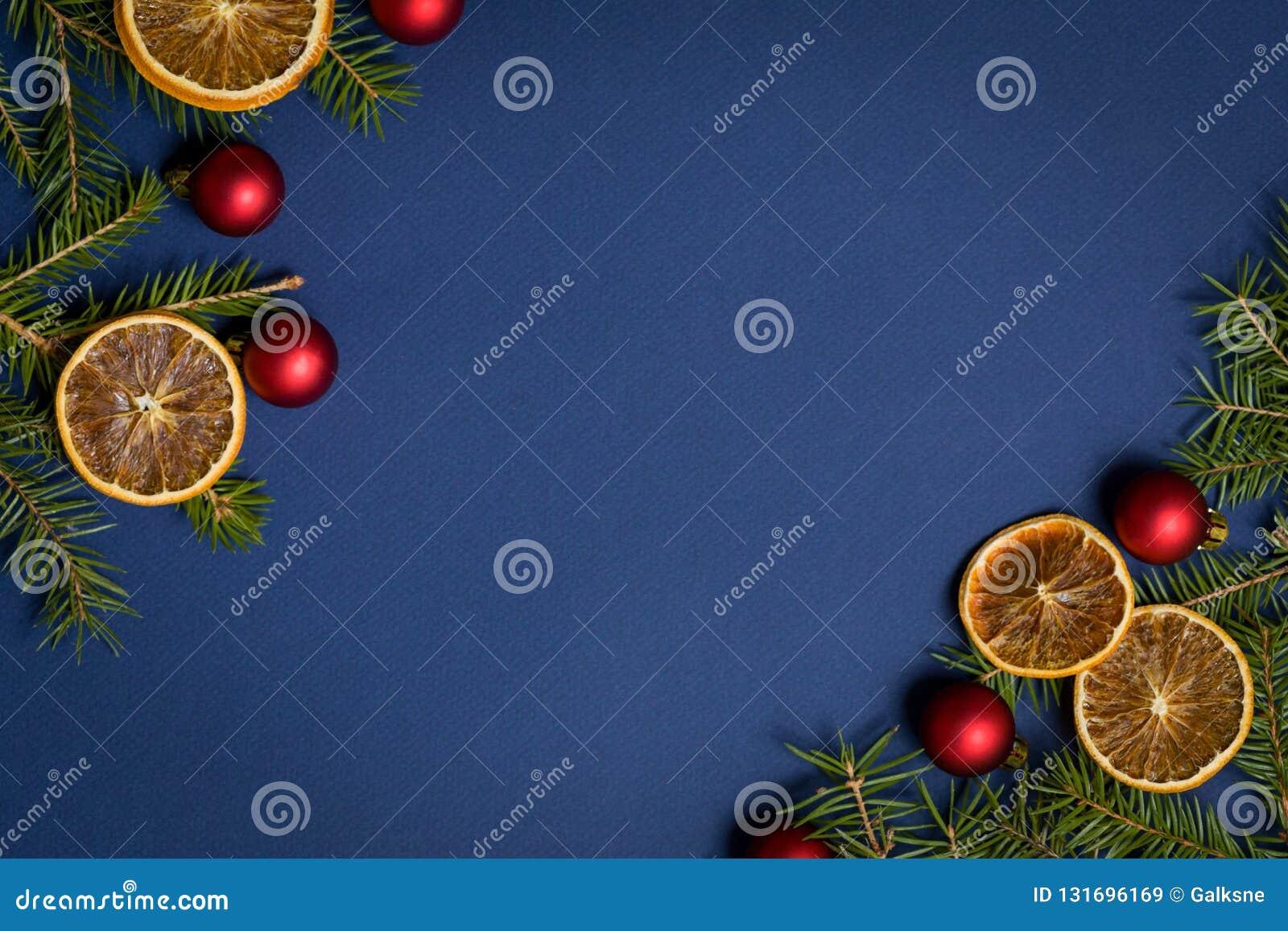 Blauwe naadloze flatlay achtergrond - Kerstmisachtergrond met decoratie en spartakkader Hoogste mening met beschikbare ruimte voo