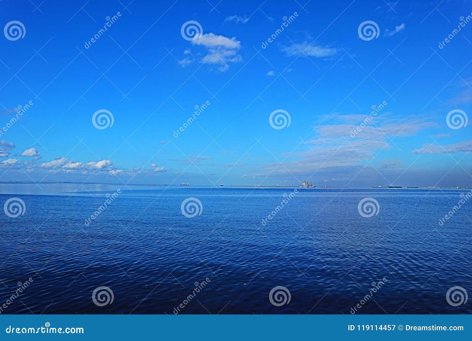 Blauwe Overzees in de Baai van Manilla