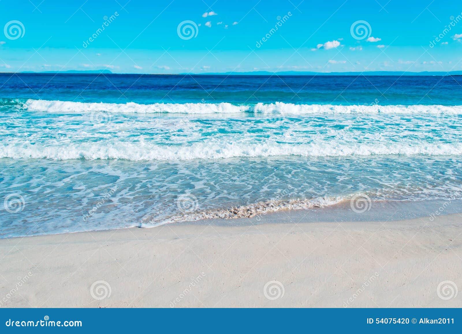 Blauwe overzees en hemel in Stintino