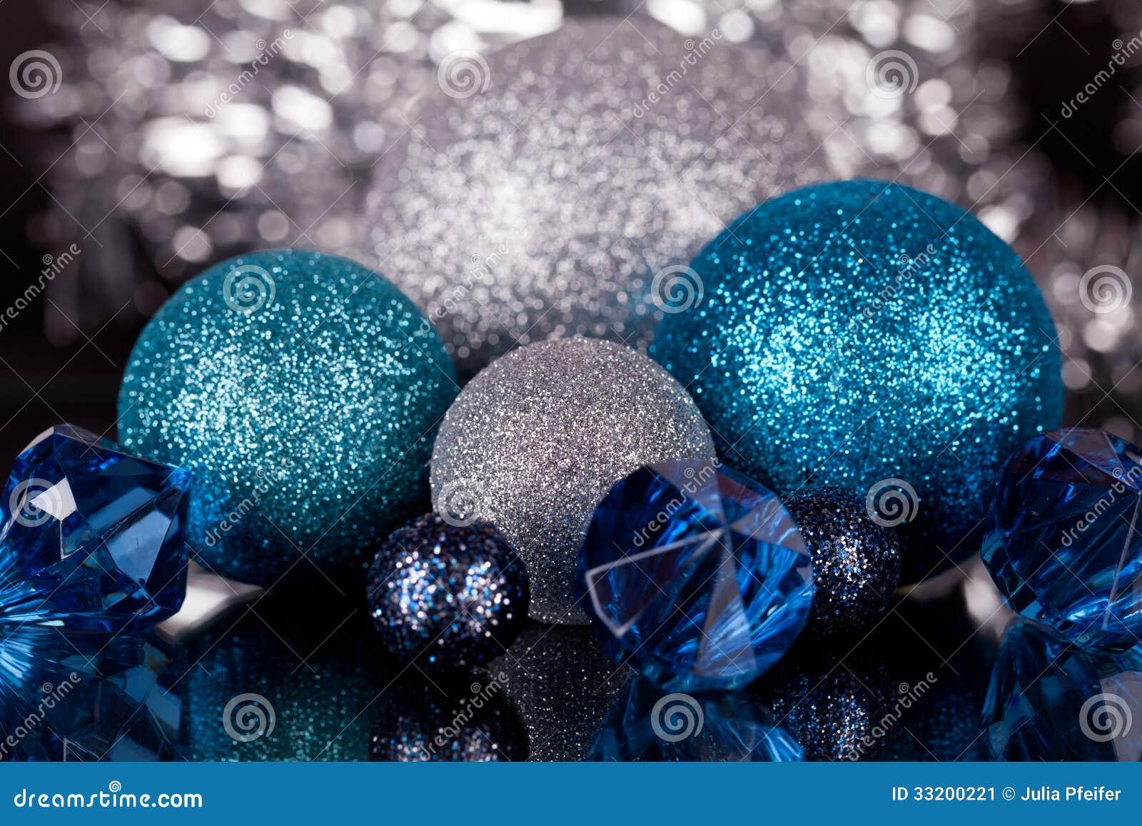 D coration de noel bleu et argent for Deco de noel bleu et argent