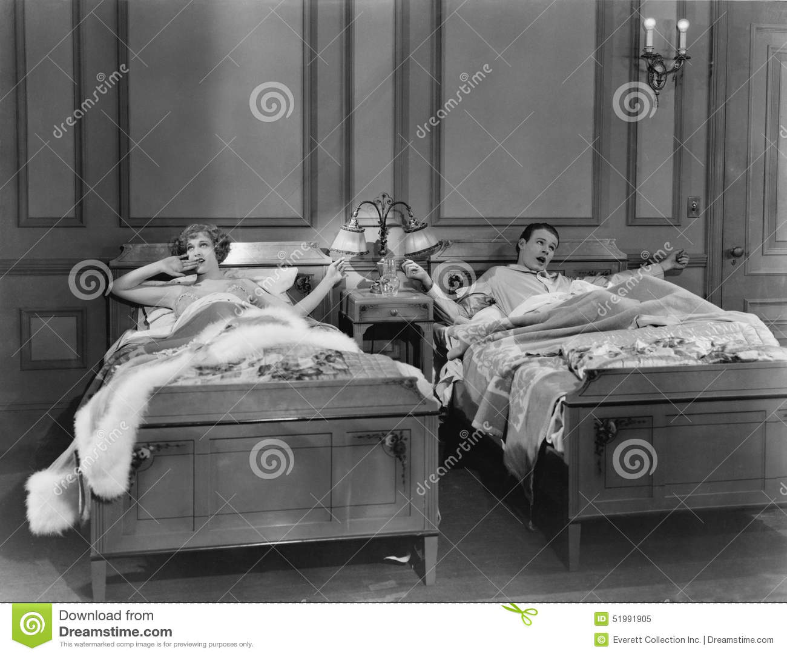 BLIŹNIACZY łóżka (Wszystkie persons przedstawiający no są długiego utrzymania i żadny nieruchomość istnieje Dostawca gwarancje że