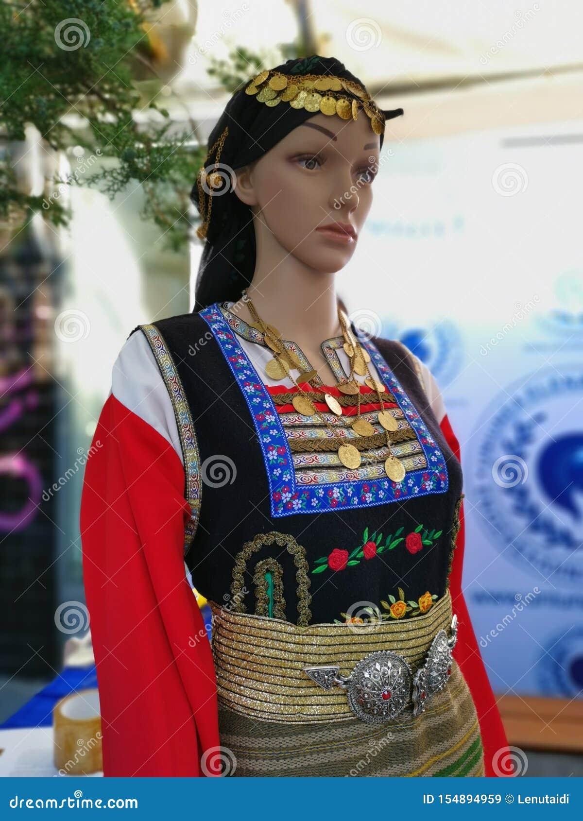 Blinde Mode - traditionelles Frauengriechekostüm