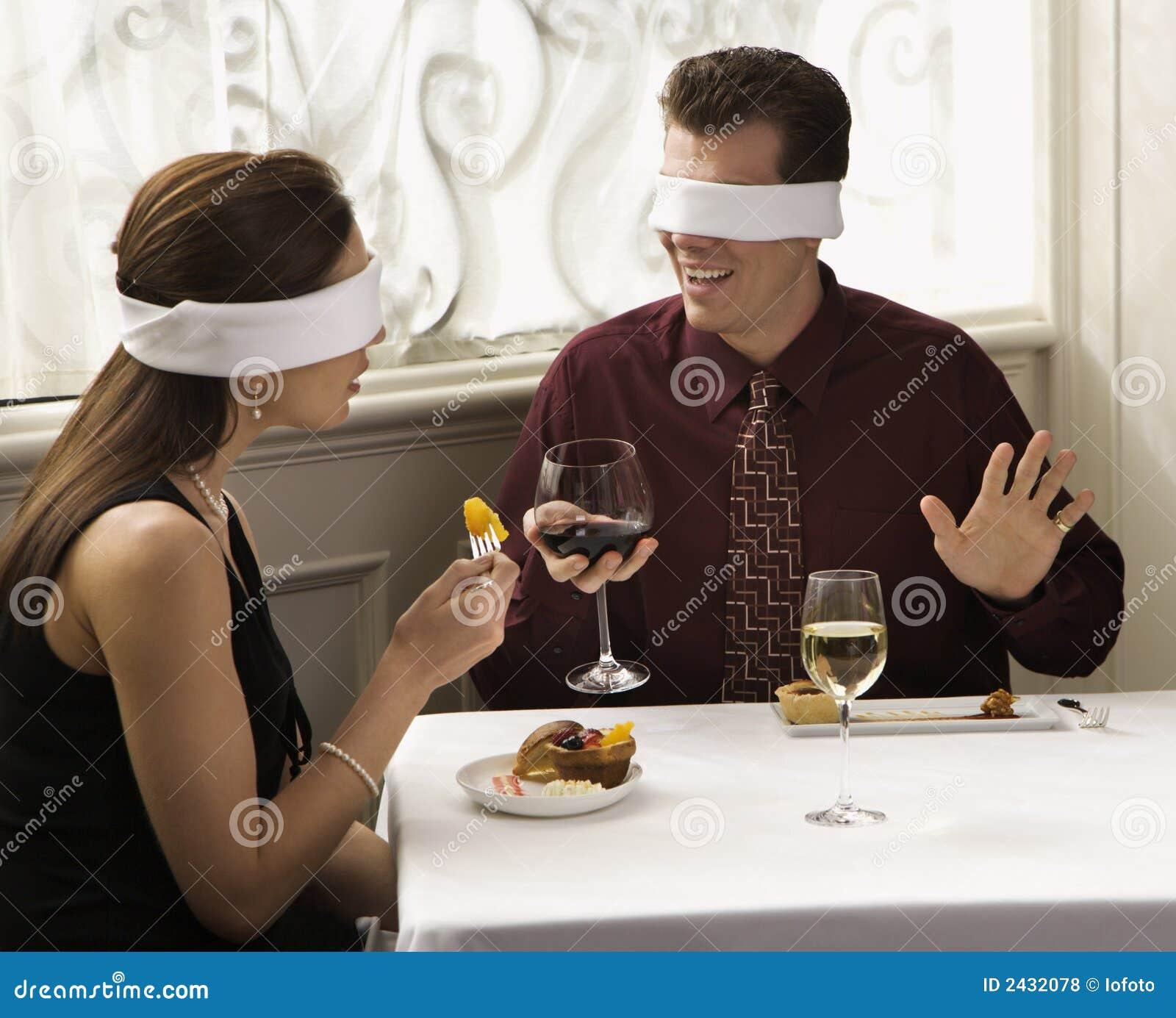 Blindfolds que desgastan de los pares