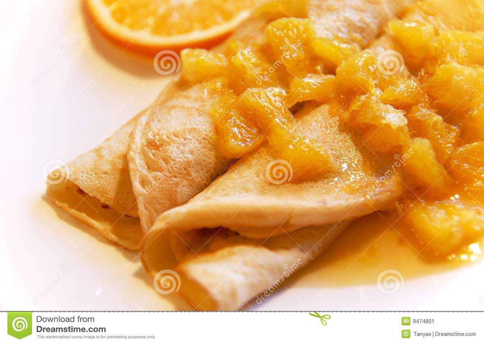 blini met sinaasappelen in zoete saus stock afbeelding afbeelding 9474801. Black Bedroom Furniture Sets. Home Design Ideas