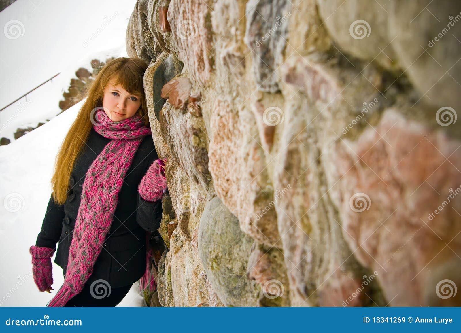Blisko kamiennej ściany