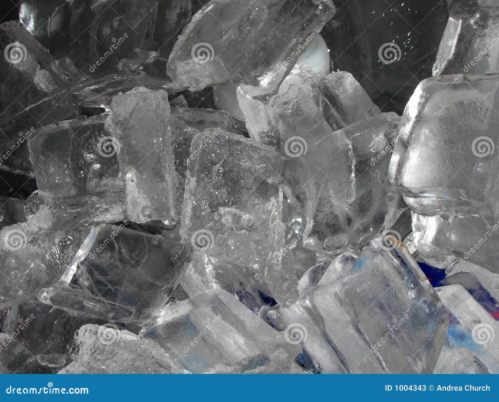 Blisko kostki podobszaru ices,
