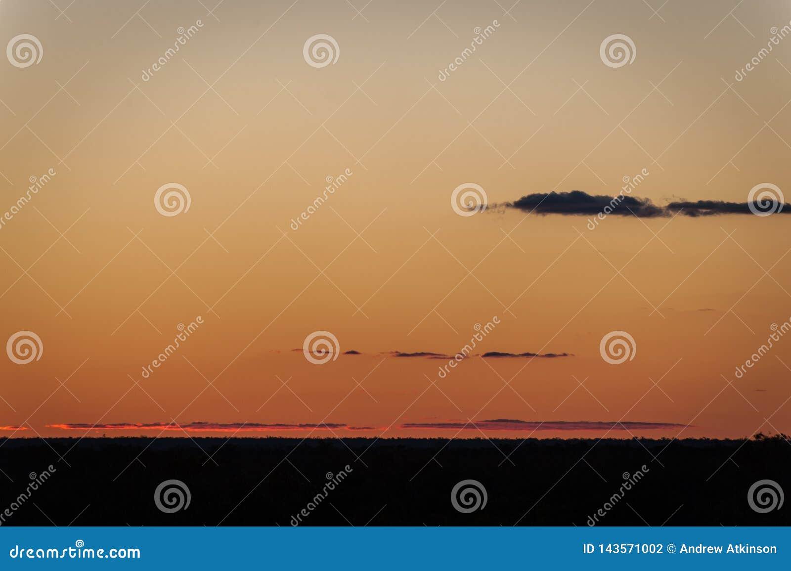 Blitz-Ridge-Sonnenuntergang Australien - Ansicht vom ersten Bergwerkstandort