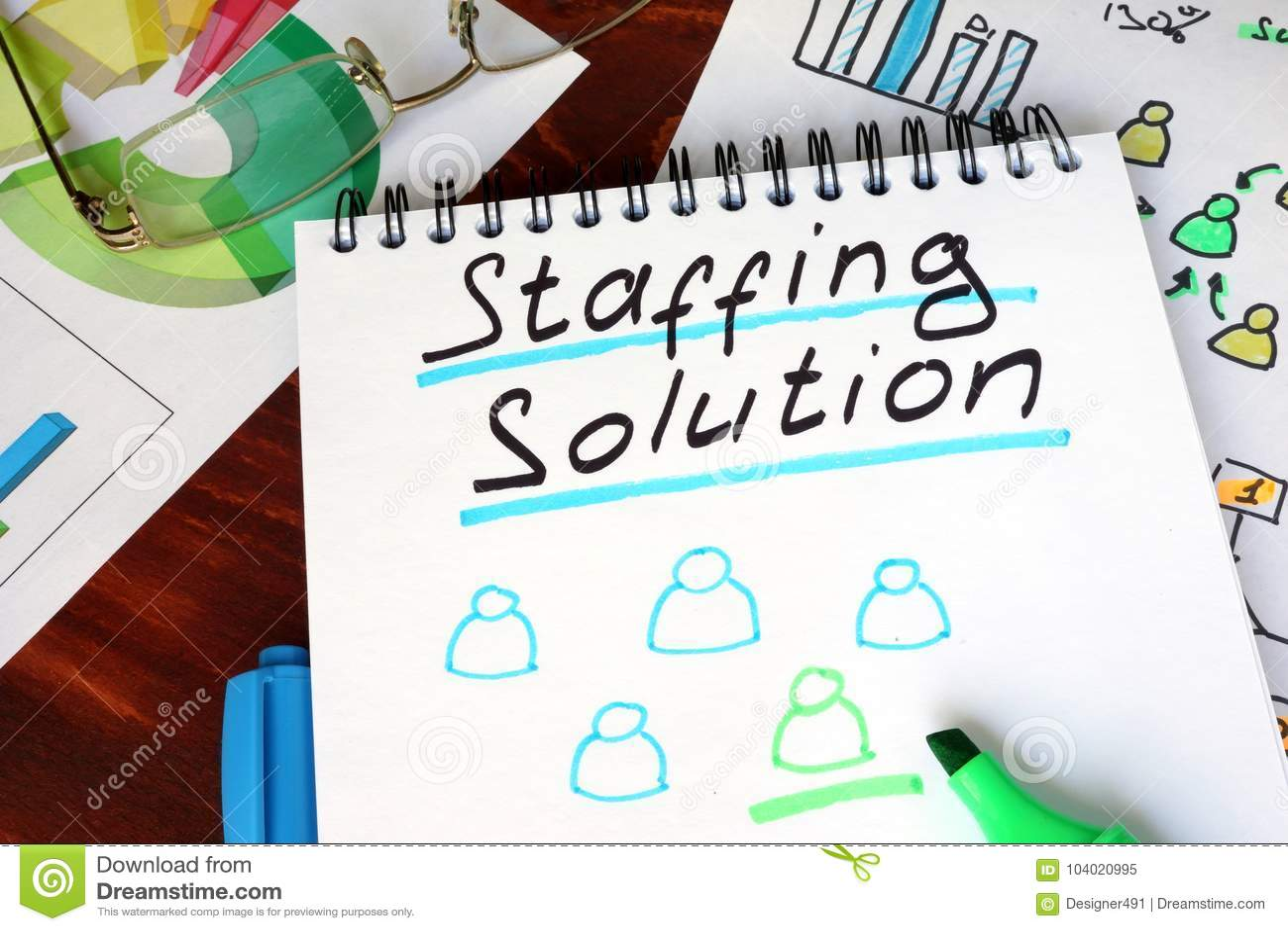 Bloc-notes avec fournir l expression de personnel de solutions
