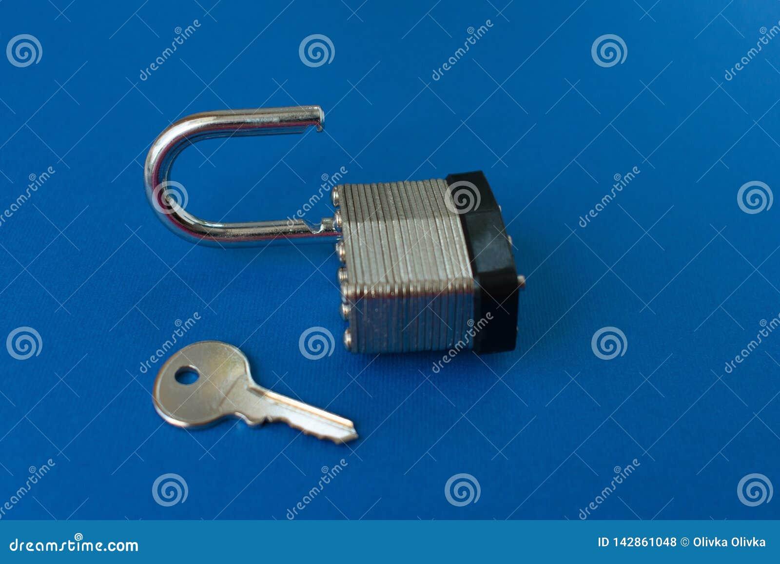 Blocage et clé de trappe