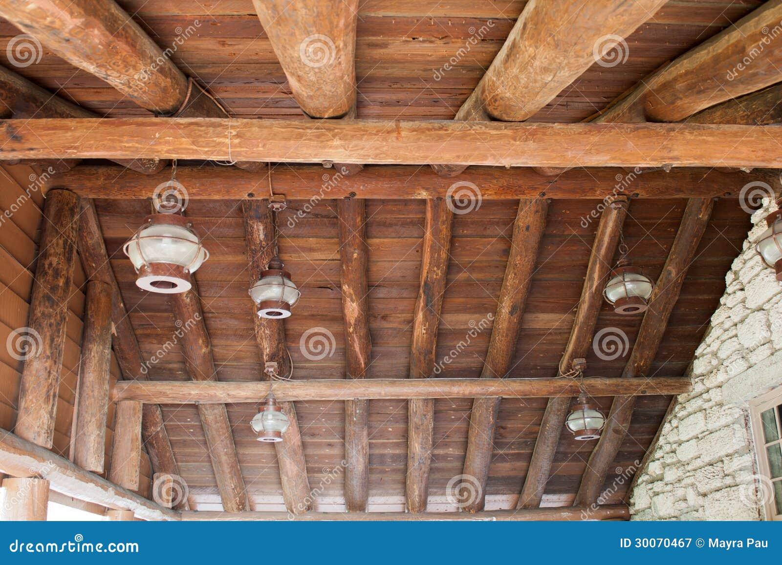 Luci per tetto in legno trendy case con soffitti in legno con per