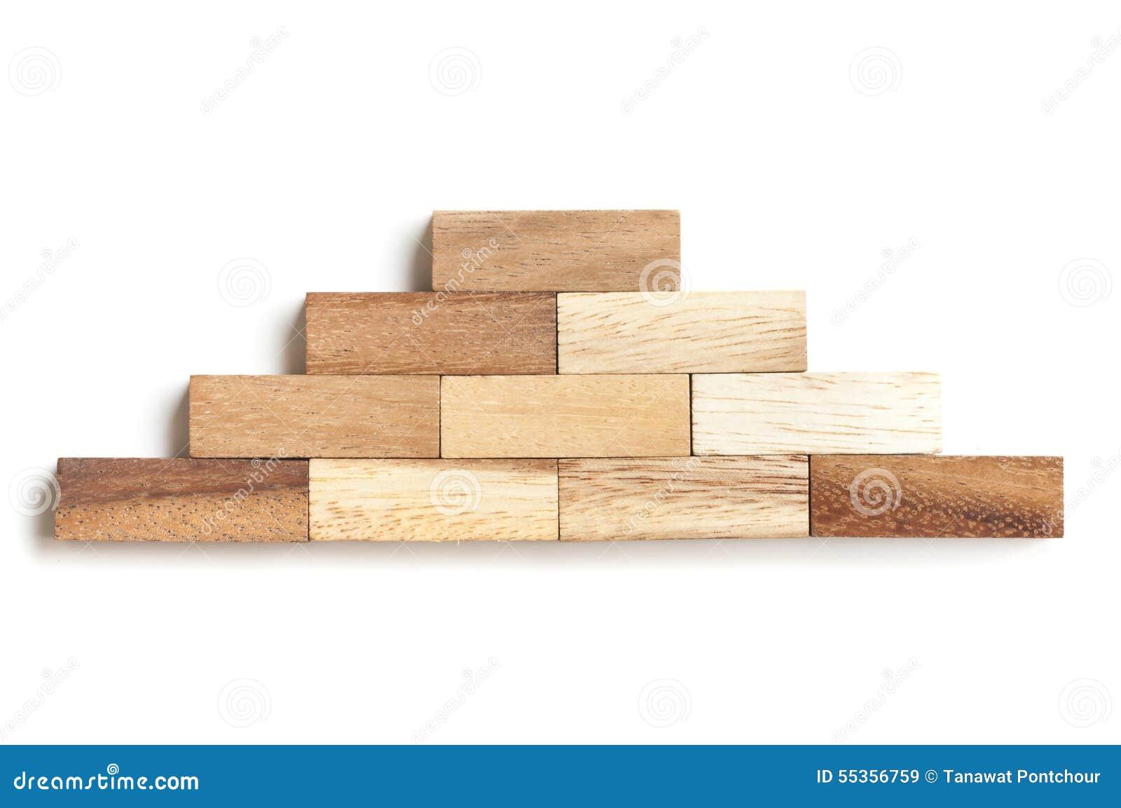 Blocco di legno che impila come scala di punto