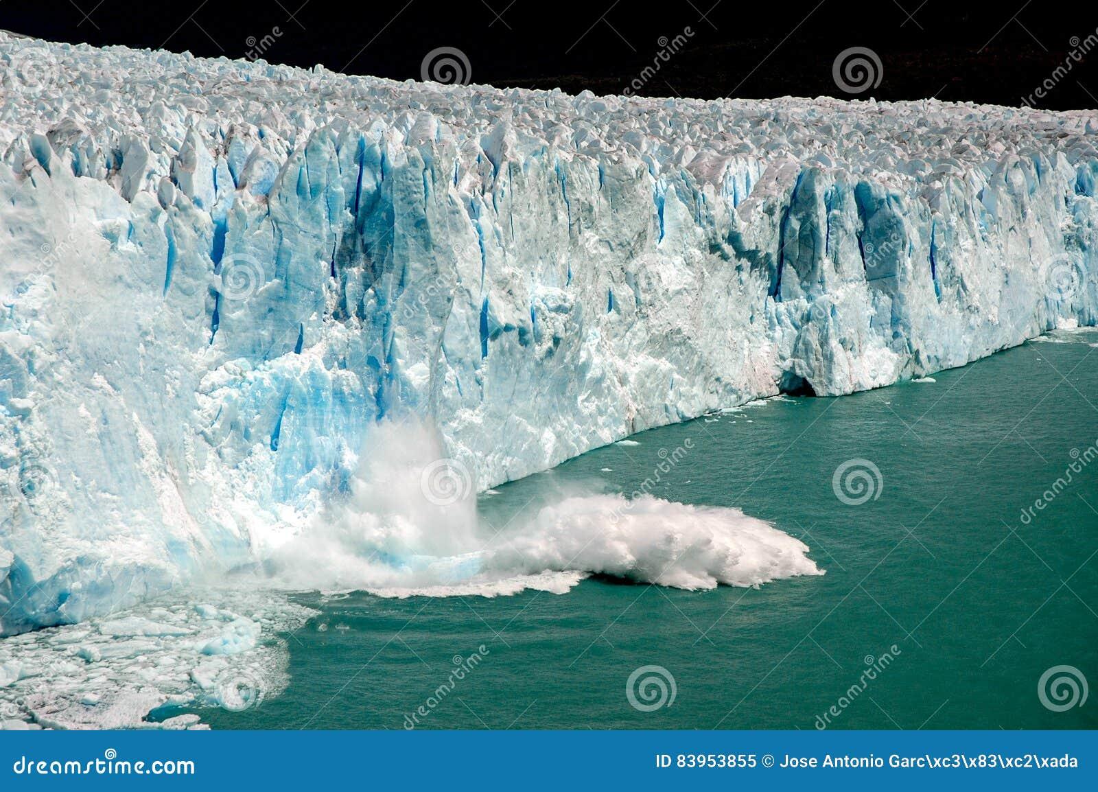 Block fall in Perito Moreno