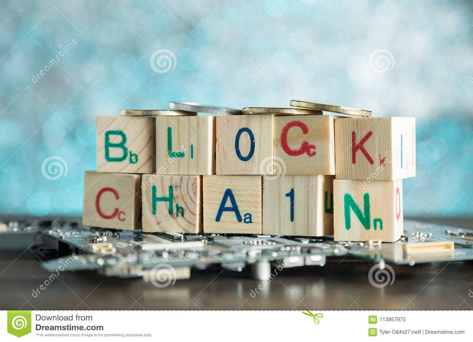 Blockchain-cryptocurrency Konzept Hölzerne Blöcke sagen Blockkette w