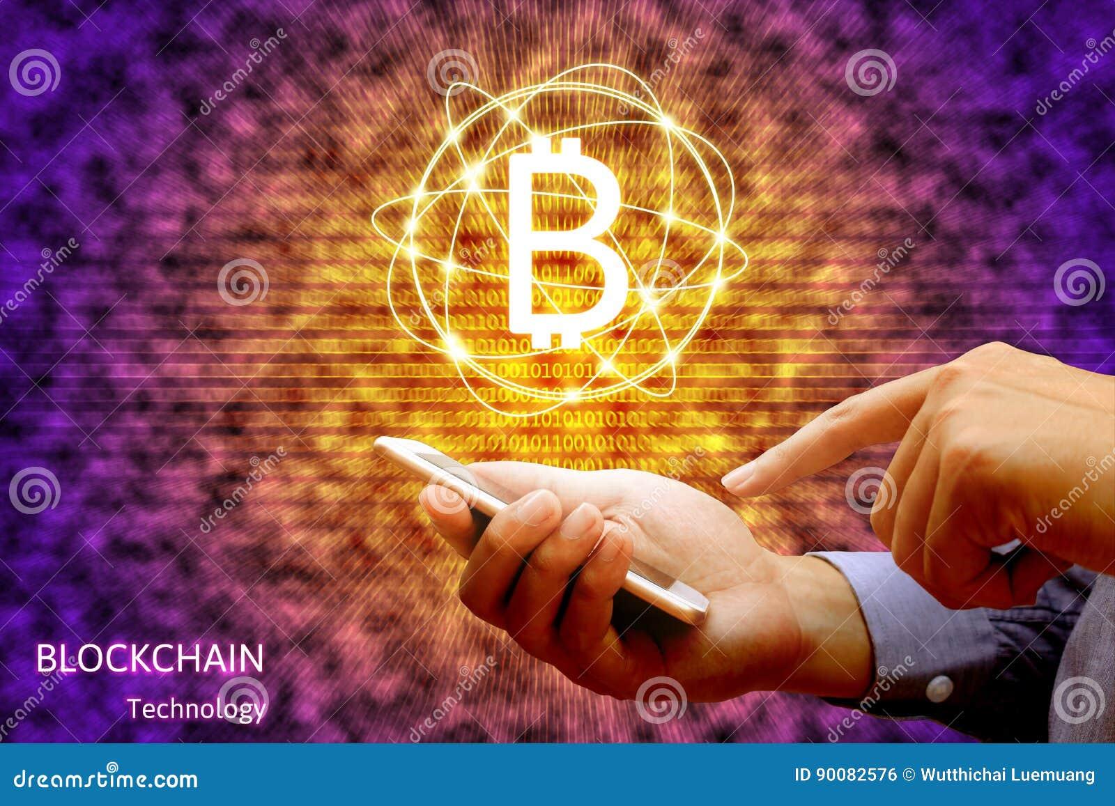 Blockchain-Technologiekonzept, Geschäftsmann, der Smartphone hält