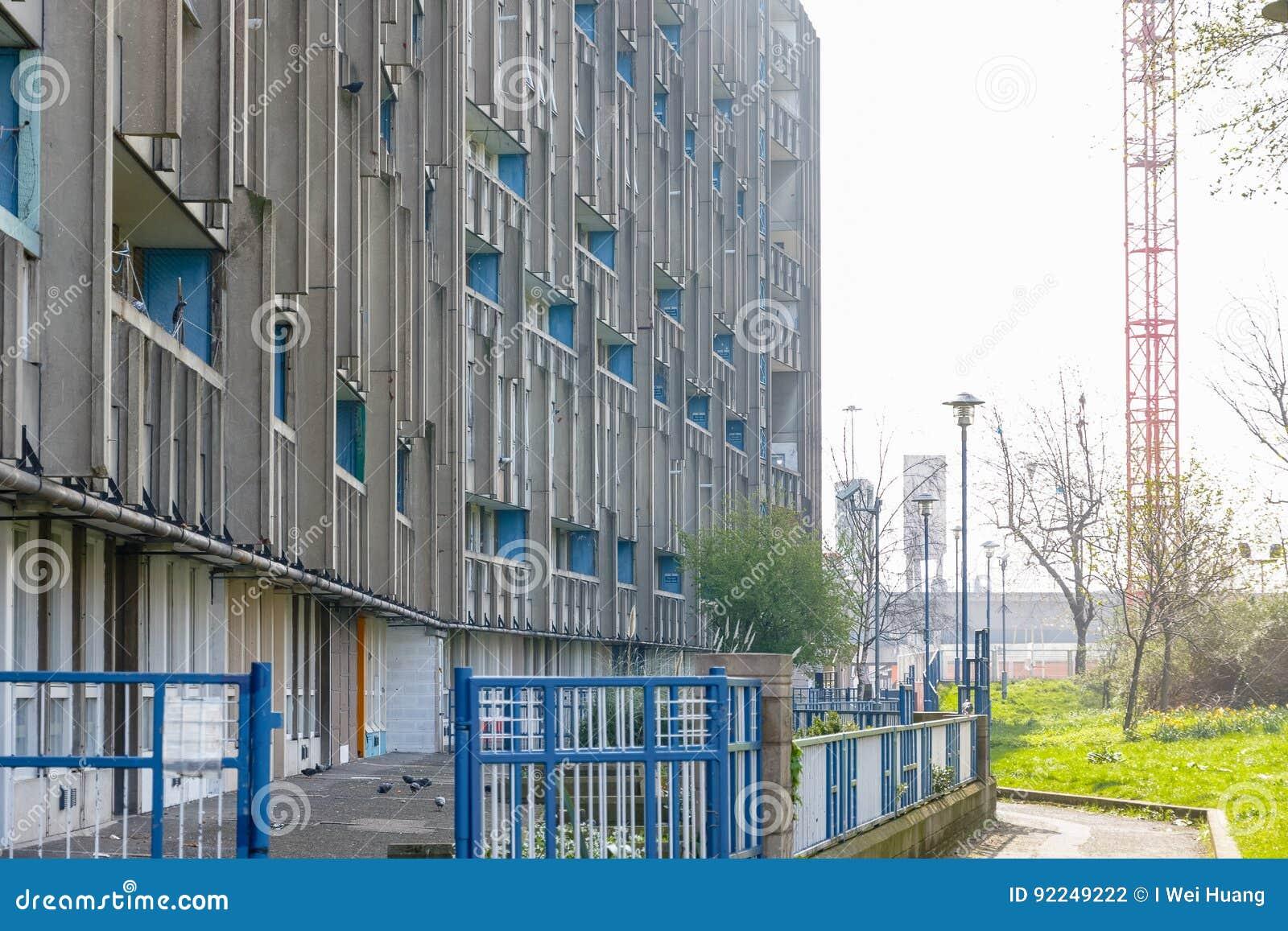 Bloco do alojamento do plano do Conselho em Londres do leste