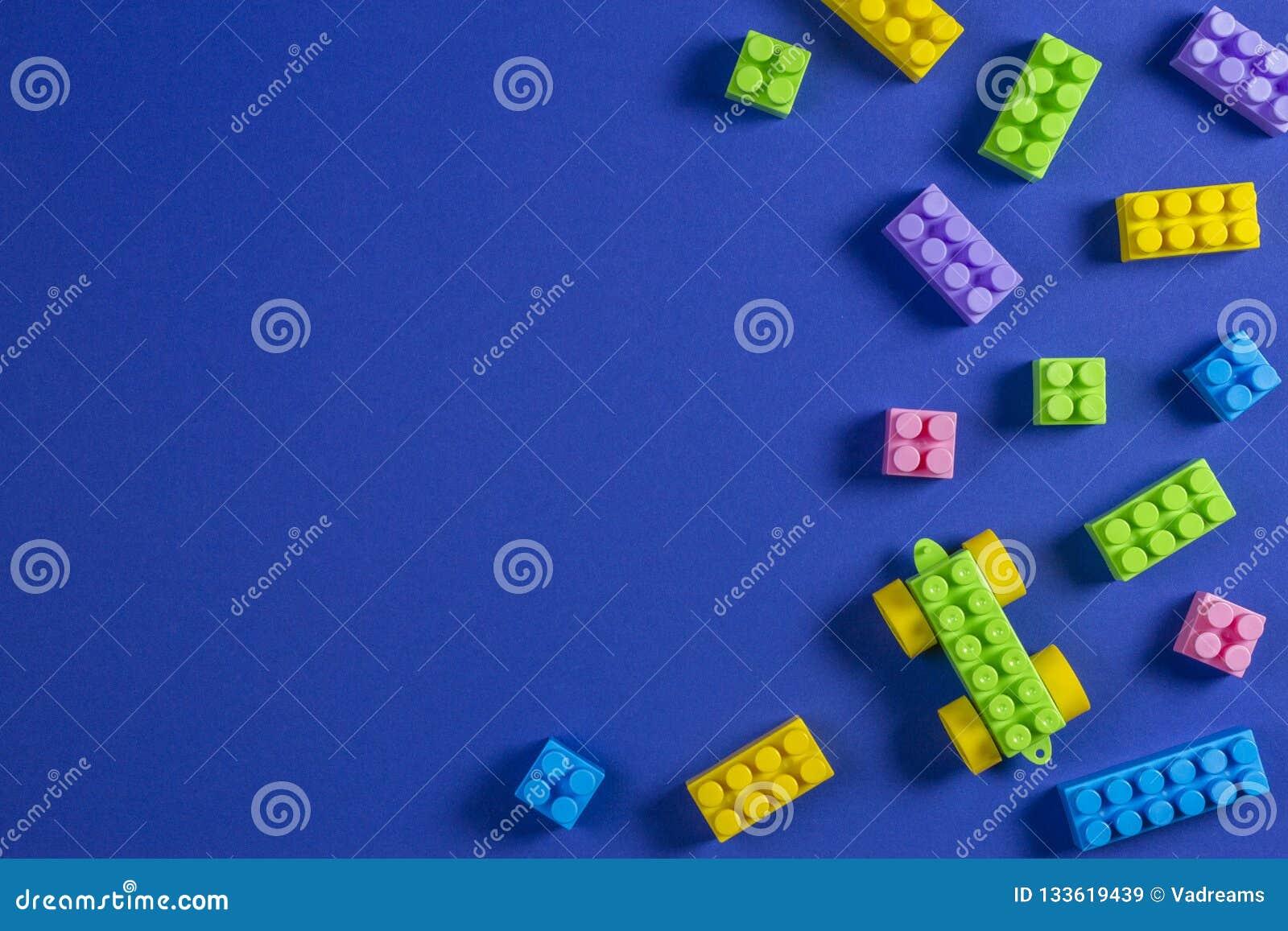 En Le Constitutifs De Plastique Colorée Jouet Voiture Blocs Sur E9D2HWI