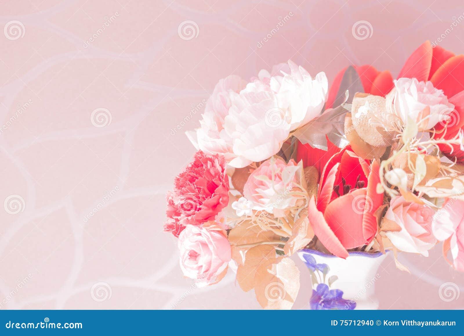Bloem In De Vaas Roze Kleur Stock Foto Afbeelding