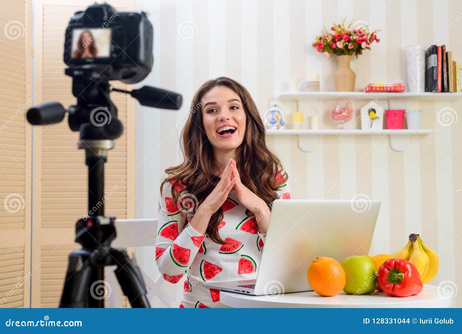 Blogger neemt video van zich